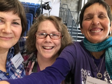 I was very happy to meet Roslyn Smith who is one of the excellent writers on Shepherding All God's Creatures, and Kathy Dunn (middle) who edits the blog. I'm on the right.